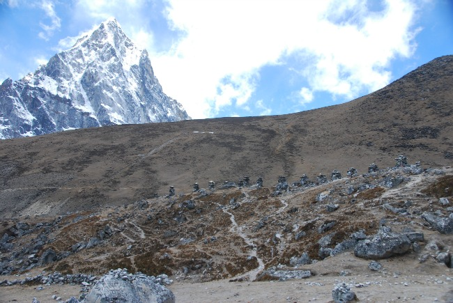 chortens for the fallen Sherpas